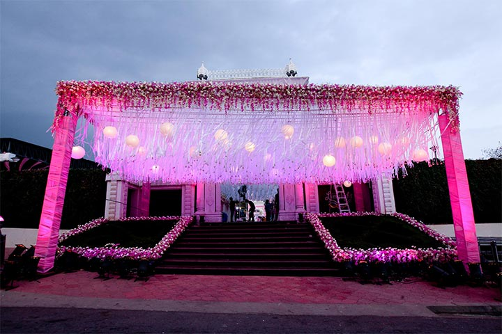 Stunning wedding decorations 8 ideas to die for entrance wedding decorations junglespirit Choice Image