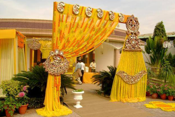 8 wedding gate decoration ideas that no one will forget gate decoration junglespirit Choice Image