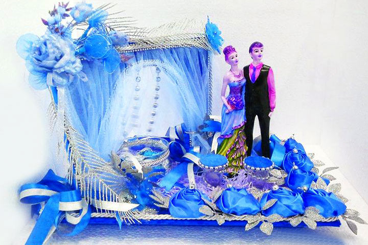 9 diy wedding tray decoration ideas to try out the human figurine tray junglespirit Images