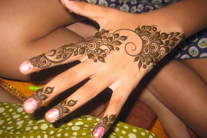 8 Simple Arabic Mehndi Designs For Beginners!