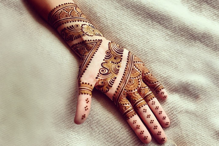 14 Super Stylish Mehndi Designs That Are Trending Right Now