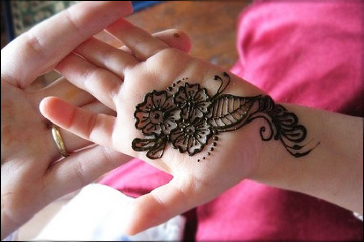 9 Smashing \u0026 Simple Mehndi Designs For Kids