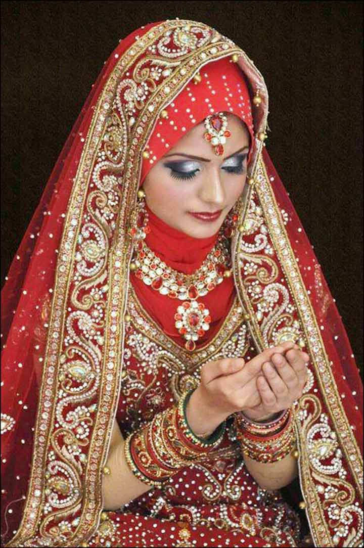 Muslim Wedding Dresses For Bride In : Regal red muslim bridal dress with embroidered stones