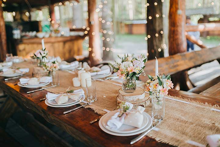 11 Outstanding Ideas For Wedding Decorations With Burlap