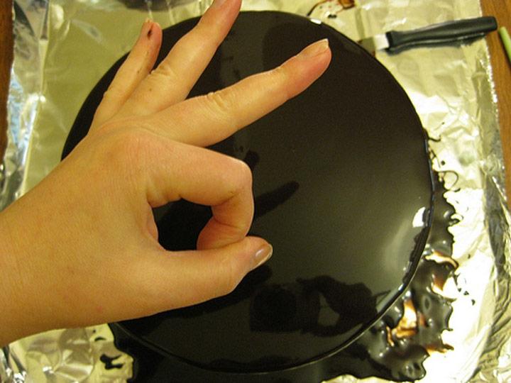 mirror-chocolate-cake