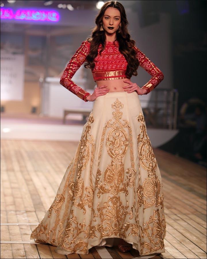 11 designer indian wedding dresses that 39 ll make your jaw drop for Trendy indian wedding dresses
