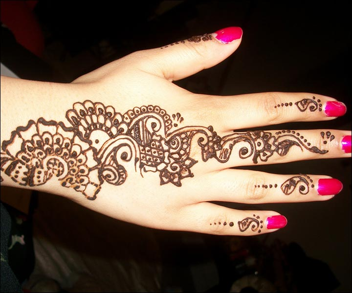 Simple Mehndi Designs That Look Fab And Stylish