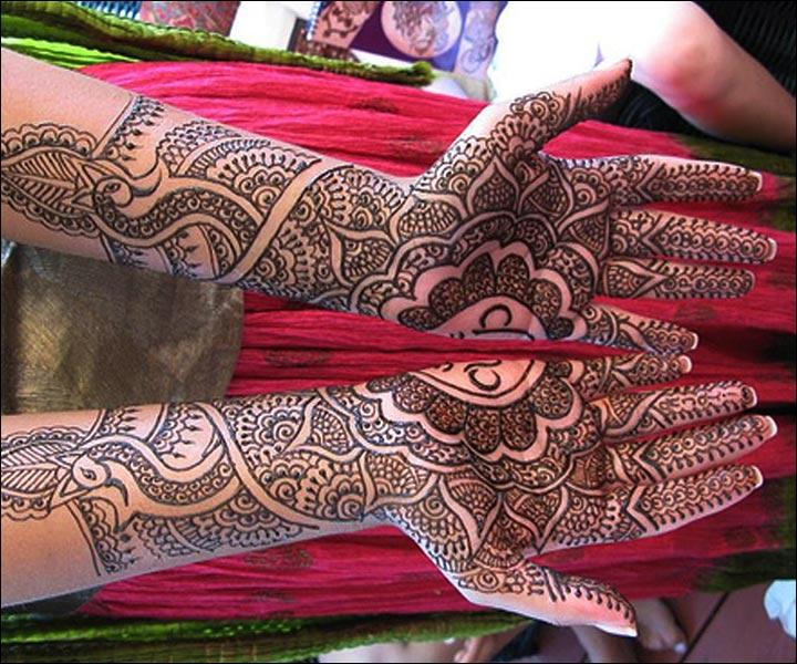 Rajasthani Bridal Mehndi Designs For Full Hands - Symmetrical Pattern Design