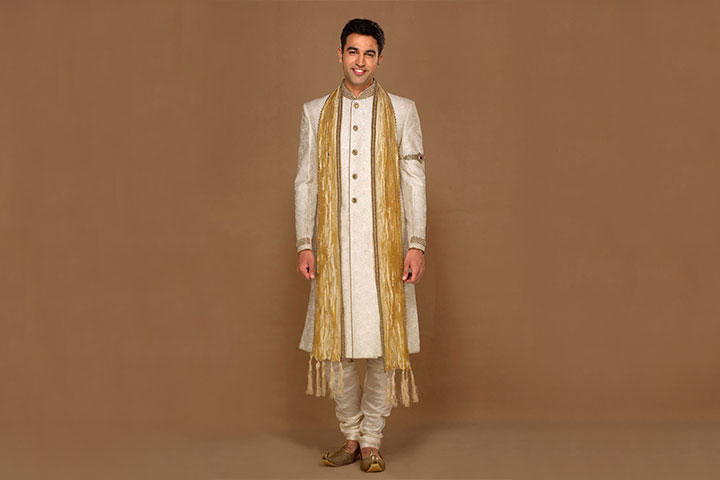 Images of bridegroom dresses with sleeves