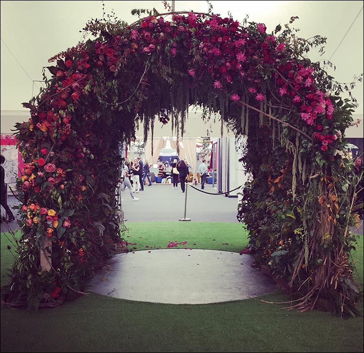 Wedding arch decorations 25 stunning ideas youll fall in love wedding arch decorations floral arch junglespirit Gallery