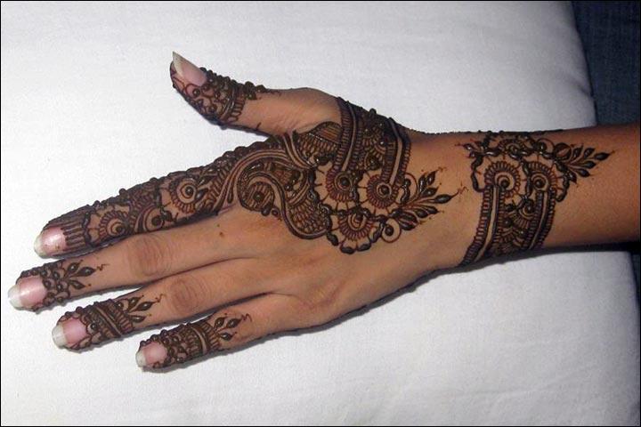 Here,-There…-Everywhere!-Pakistani Mehndi Designs