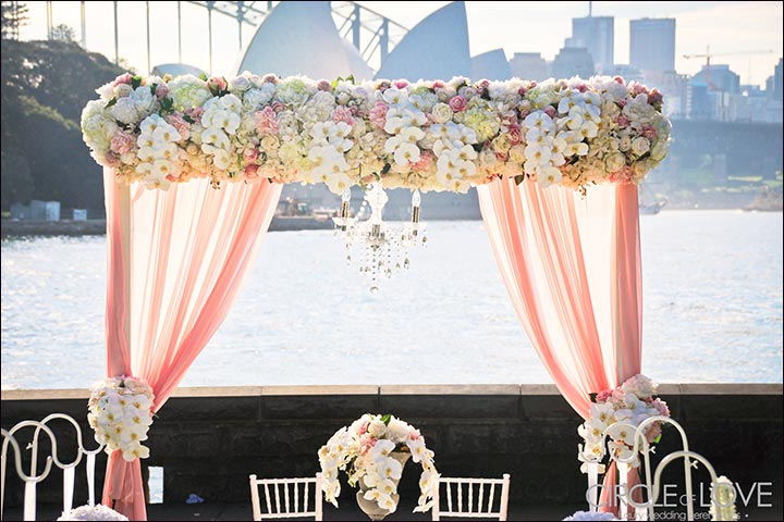 25 wedding backdrop ideas fit for a fairy tale wedding for Wedding day decorations