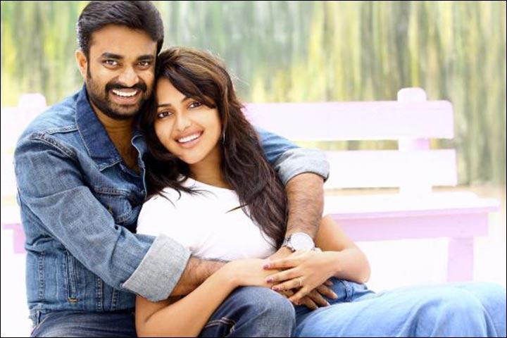 Amala Paul Marriage - Amala And Vijay Share A Social